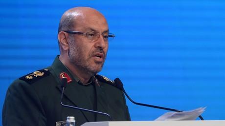 Irans Verteidigungsminister Hussein Dehqan weist Vorwürfe aus den USA zurück, der Iran würde in der Region einen destabilisierenden Einfluss ausüben.