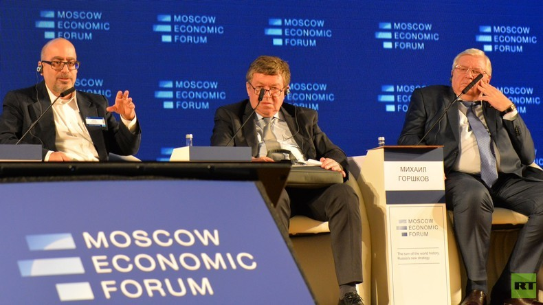 Moskauer Wirtschaftsforum fordert radikales Umdenken in der Wirtschaftspolitik