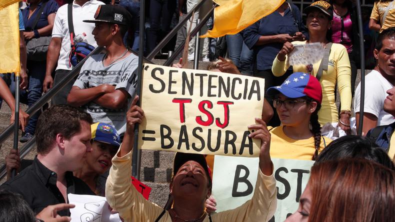 Venezuelas Oberster Gerichtshof hebt Entmachtung des Parlaments zum Teil auf