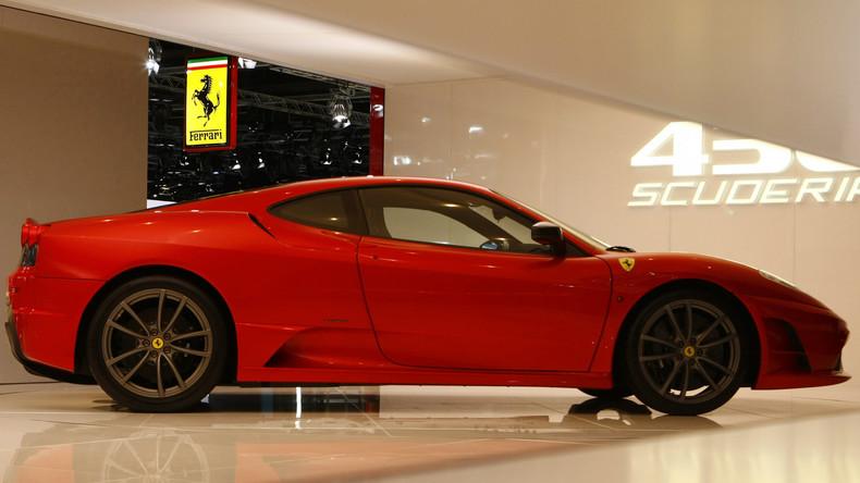 Donald Trumps Ferrari kommt für 270.000 US-Dollar unter den Hammer