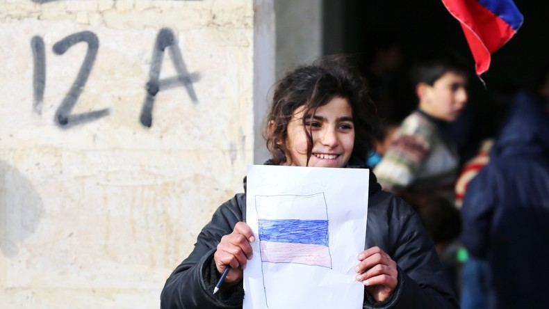 Russische Militärs liefern Syrern fast zwei Tonnen Hilfsgüter