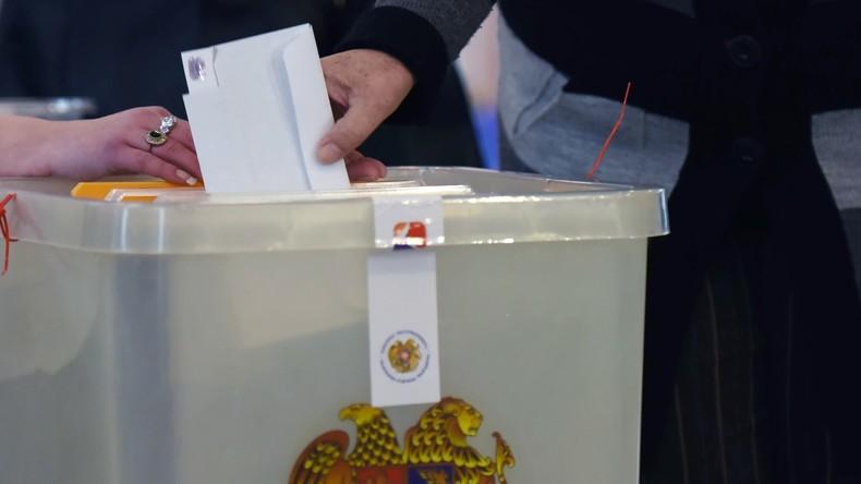 Armeniens Wahlkommission: Vier Parteien schaffen es ins Parlament