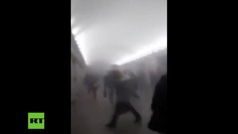 Sankt Petersburg: U-Bahnstation nach Terroranschlag mit Rauch gefüllt