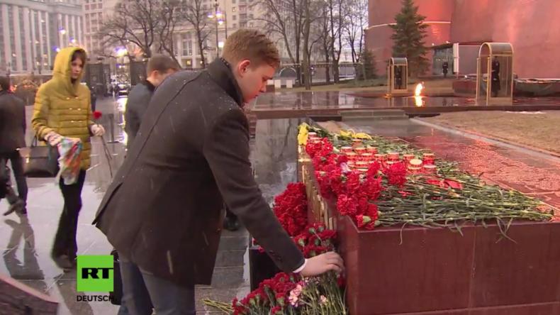 Russland: Menschen im ganzen Land gedenken der Terroropfer von Sankt Petersburg