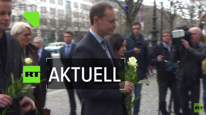 Bürgermeister Michael Müller an der russischen Botschaft - Gesine Lötzsch kritisiert Senat