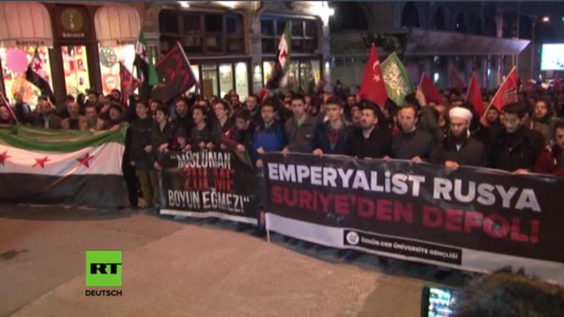 Türkische Islamisten protestieren gegen russischen Militäreinsatz in Syrien