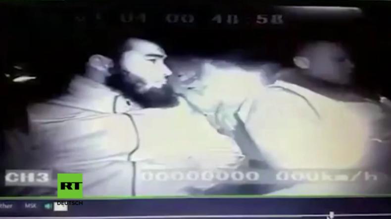 Dashcam-Video zeigt grausamen Mord an zwei russischen Polizisten.