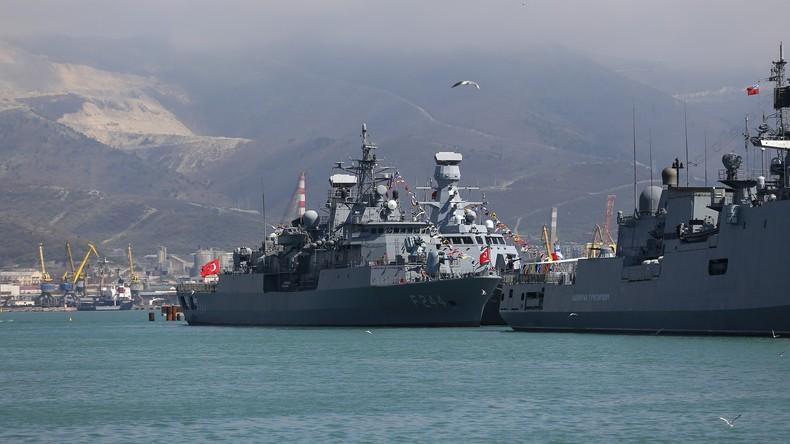 Moskau und Ankara führen gemeinsame Übungen im Schwarzen Meer durch
