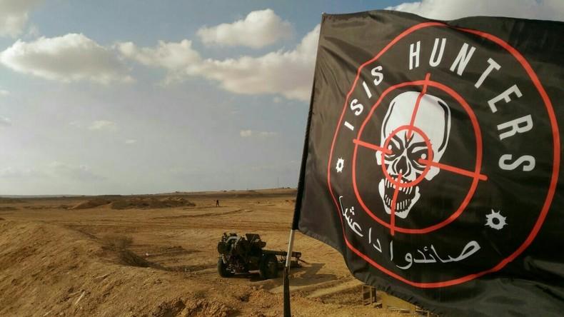Exklusiv: ISIS Hunters - Syrische Freiwilligen-Einheit jagt Terroristen mitten in der Wüste