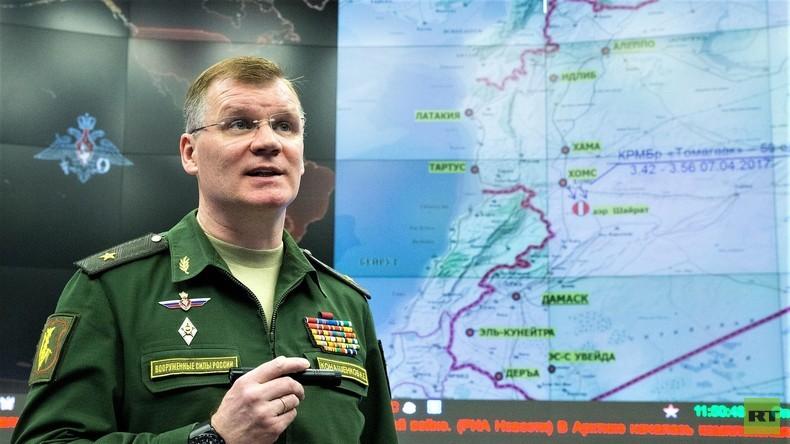Generalmajor Igor Konaschenkow gibt Pressekonferenz