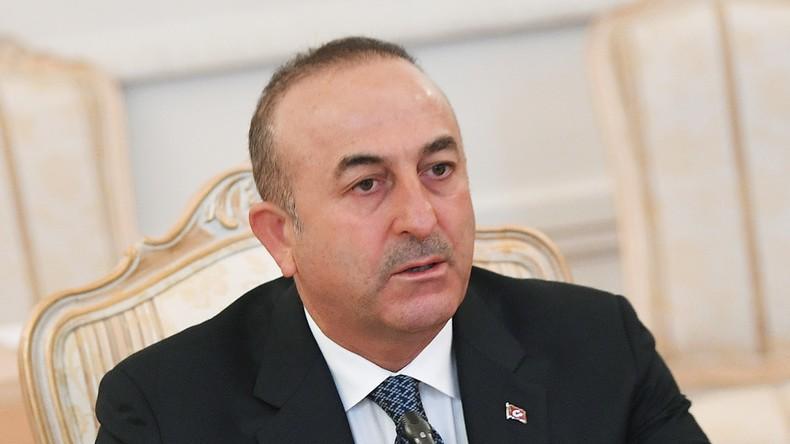 Türkischer Außenminister Mevlüt Çavuşoğlu fordert weitere Maßnahmen gegen Syrien
