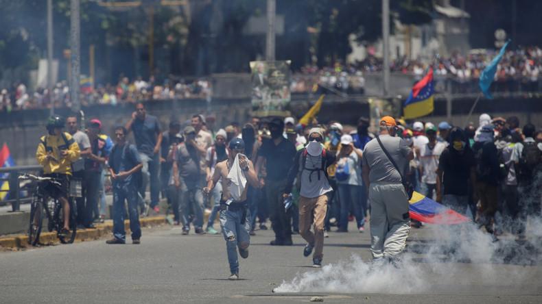 Proteste gegen Venezuelas Staatschef Nicolás Maduro münden erneut in Gewalt