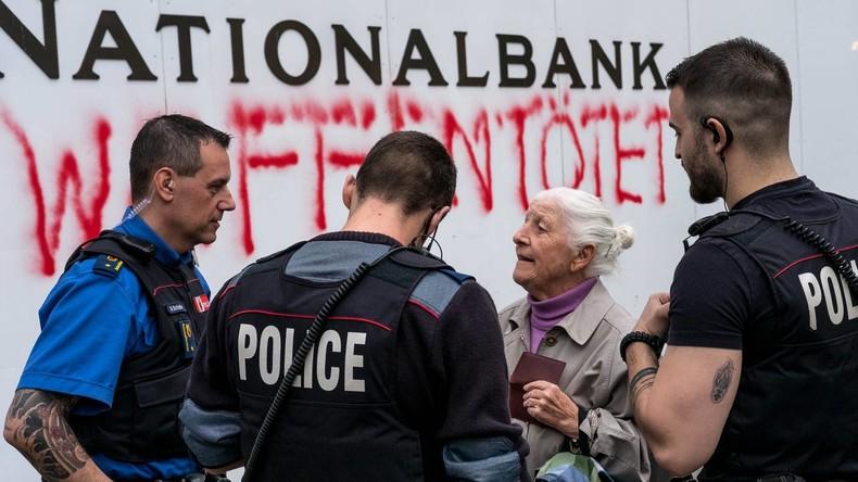 Schweiz: 86-jährige Friedensaktivistin sprayt Nationalbank an und wird verhaftet