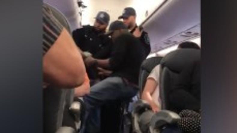 USA: Passagier von Polizei aus Flugzeug geprügelt, der Flug war überbucht