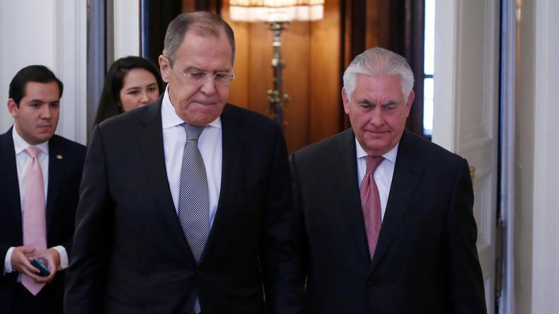 Live: Außenminister Lawrow und Tillerson geben Pressekonferenz in Moskau – mit deutscher Übersetzung