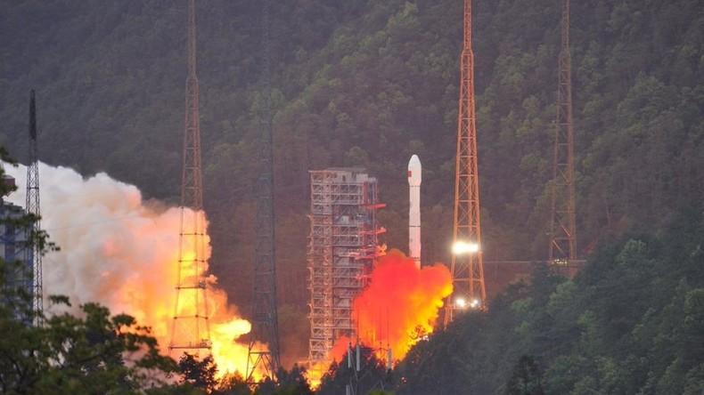 China schießt Satelliten für schnellere Internetverbindung ins All