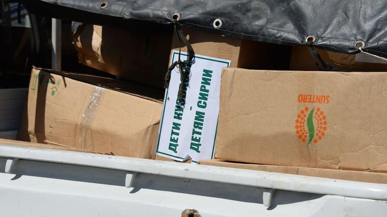 Russische Militärs verteilen unter syrischen Einwohnern über sechs Tonnen Hilfsgüter