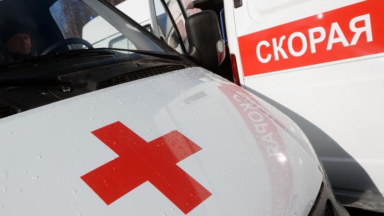 Zug prallt gegen Schulbus bei russischem Omsk – mehrere Tote