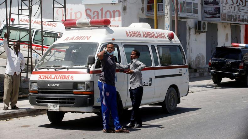Autobombe explodiert vor Flughafen Mogadischu