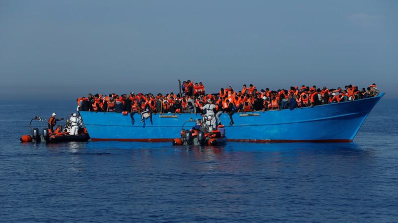 Privates deutsches Rettungsschiff auf Mittelmeer in Seenot