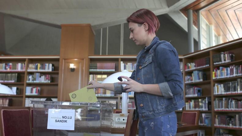 Abstimmung über Verfassungsreform in Türkei ist beendet