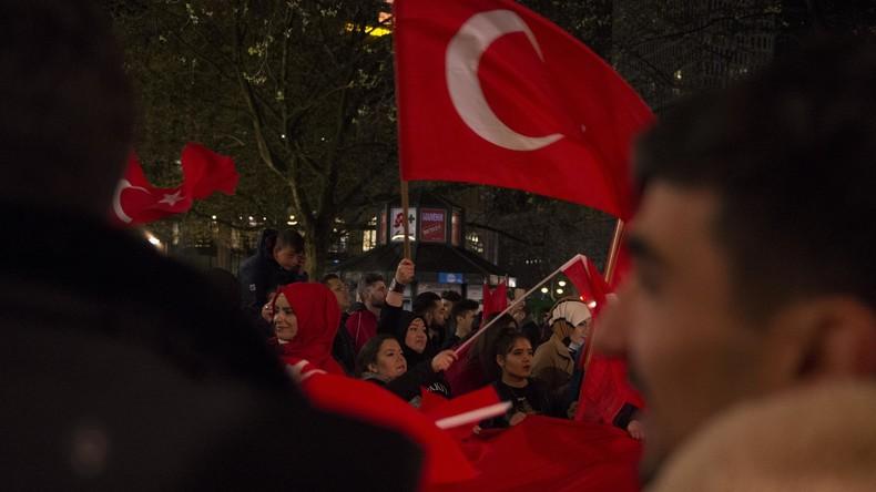 Türkische Opposition fordert, Ergebnisse des Verfassungsreferendums für ungültig zu erklären
