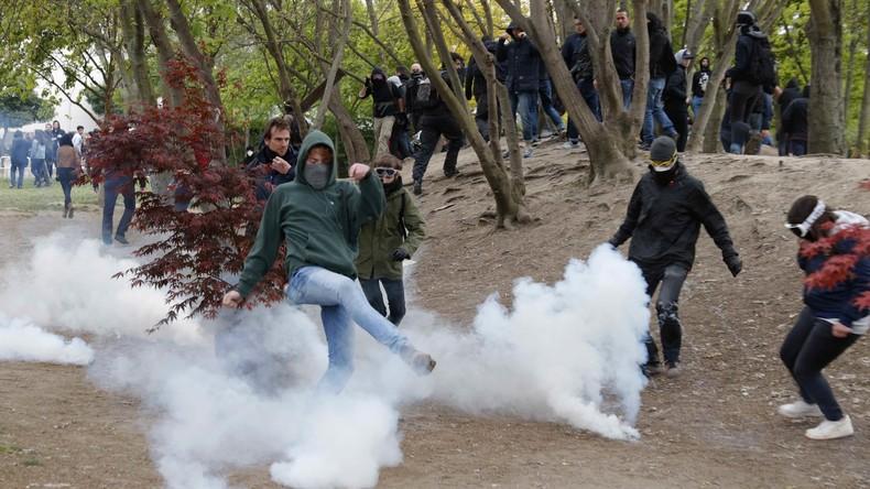 Proteste gegen Präsidentschaftskandidatin Le Pen in Paris arten in Gewalt aus