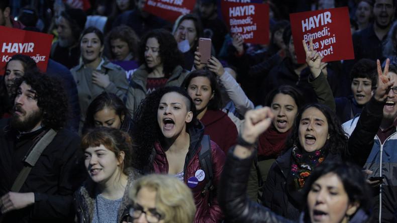 Internationale Reaktionen auf die Verfassungsreform der Türkei
