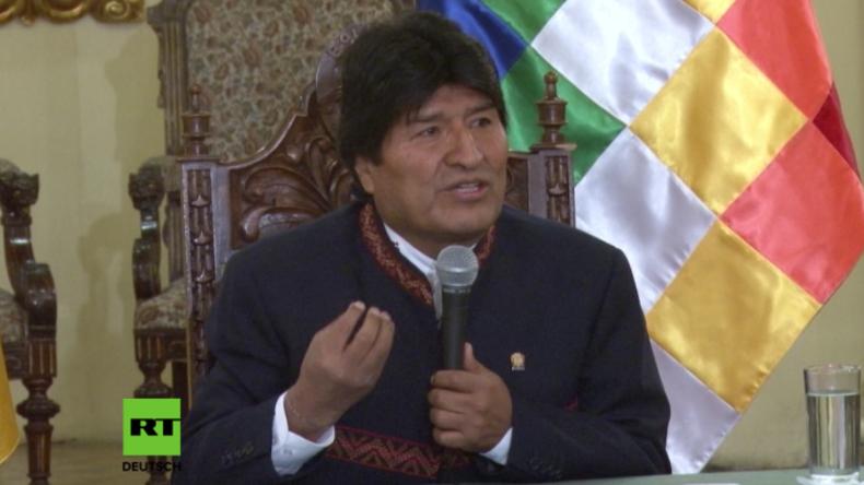 Evo Morales bei Pressekonferenz am Montag in La Paz.
