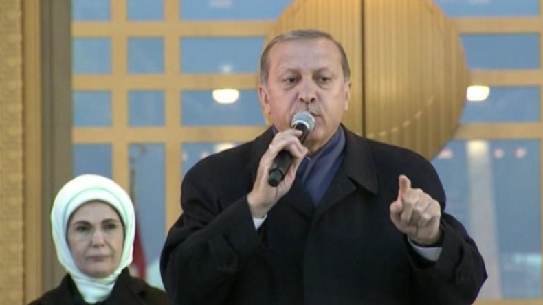 Erdogan hält Ansprache nach Referendum in der Türkei.