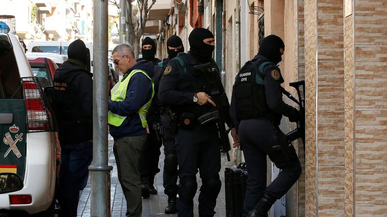 Spanische Polizei hebt Drogen- und Menschenhändlerbande aus