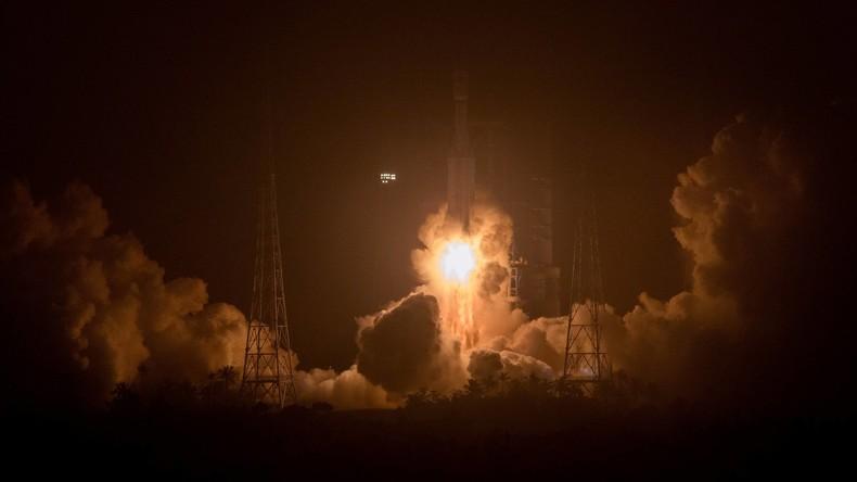 China startet ersten Raumfrachter ins Weltall