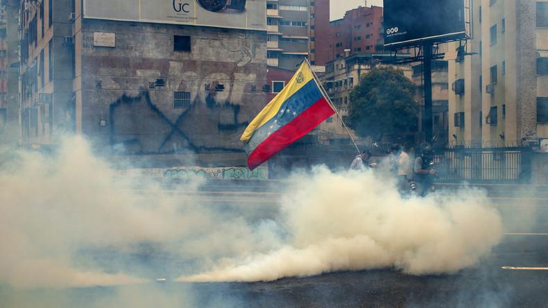 Polizei setzt Tränengas gegen Demonstranten in Venezuela ein