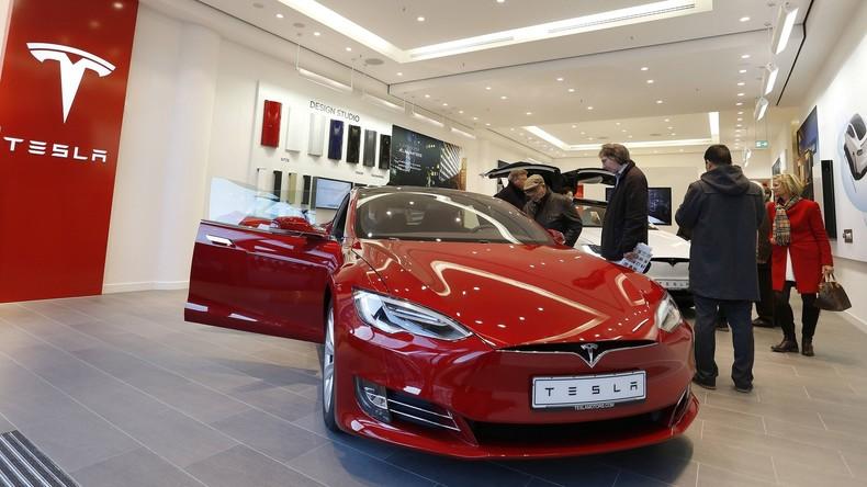 Tesla ruft 53.000 Autos für Austausch von Handbremsen zurück