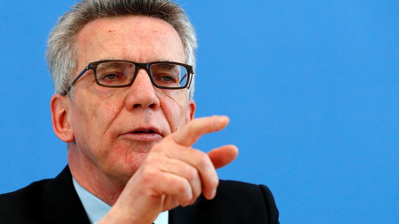 Bundesspressekonferenz: Mehr politisch motivierte Straftaten und straffällig gewordene Asylbewerber