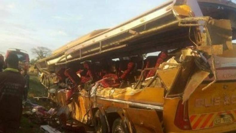 Passagierbus stößt mit Lastwagen in Kenia zusammen: Mindestens 27 Tote