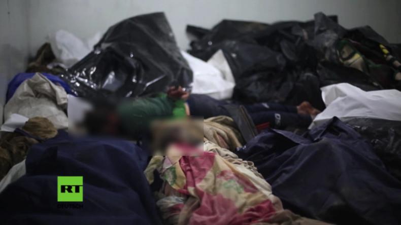 Leichen stapeln sich in provisorischer Leichenhalle in Mossul.