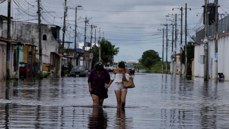 Überschwemmungen in Ecuador halten an - Mittlerweile 38 Tote