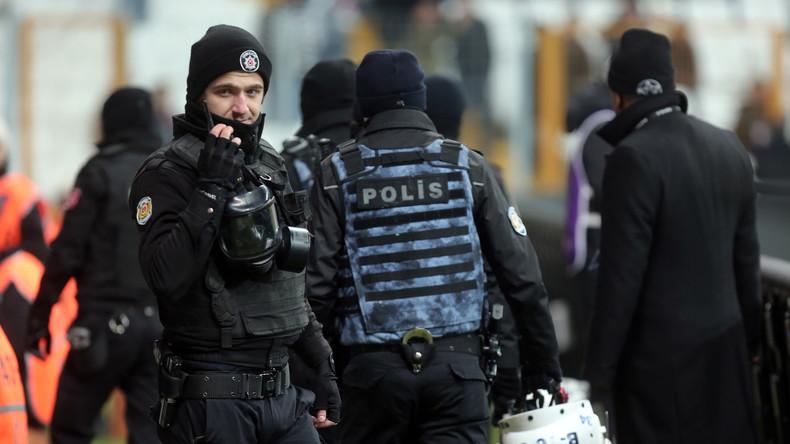 Türkisches Innenministerium suspendiert über 9.000 Polizisten