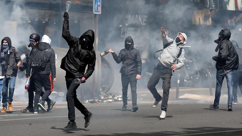 Polizei setzt Tränengas bei Protestaktion in Paris ein