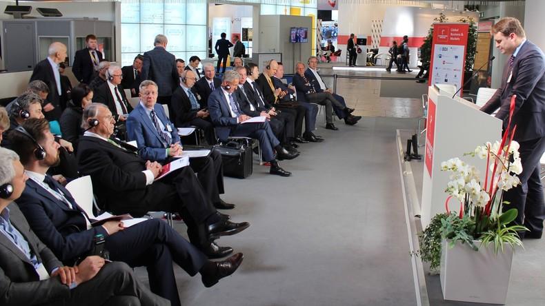 Russland und Deutschland betonen Interesse an stärkerer Zusammenarbeit auf Hannover Messe