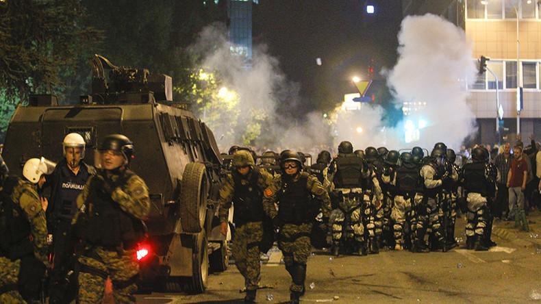 Krawalle und Chaos im mazedonischen Parlament: Über 100 Verletzte