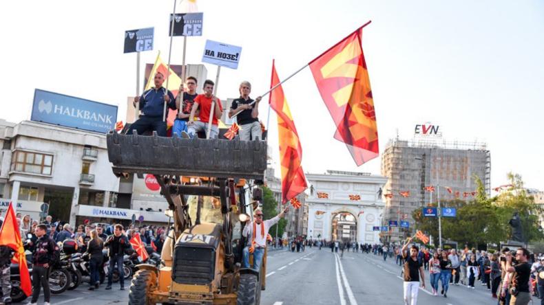 Rund 100 Menschen bei Sturm auf mazedonisches Parlament verletzt