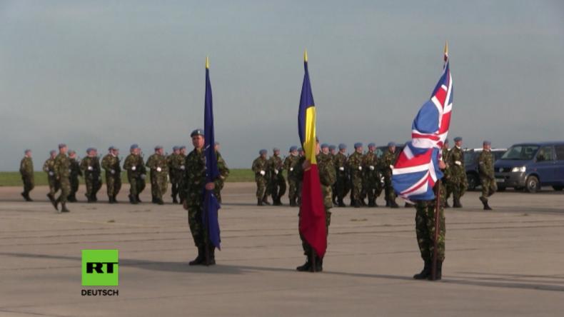 Beginn britischer Mission für die NATO wird in Rumänien zeremoniell begleitet.
