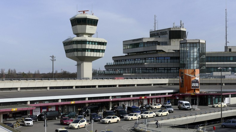 Flughafen Berlin-Tegel kann Flugverkehr wieder aufnehmen - Polizeieinsatz dauert an