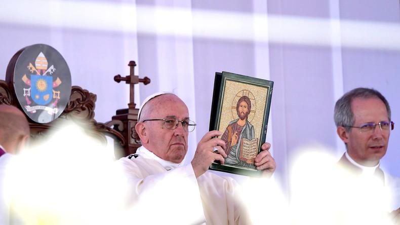 Papst bekräftigt KZ-Vergleich: Manche Flüchtlingsheime sind Lager