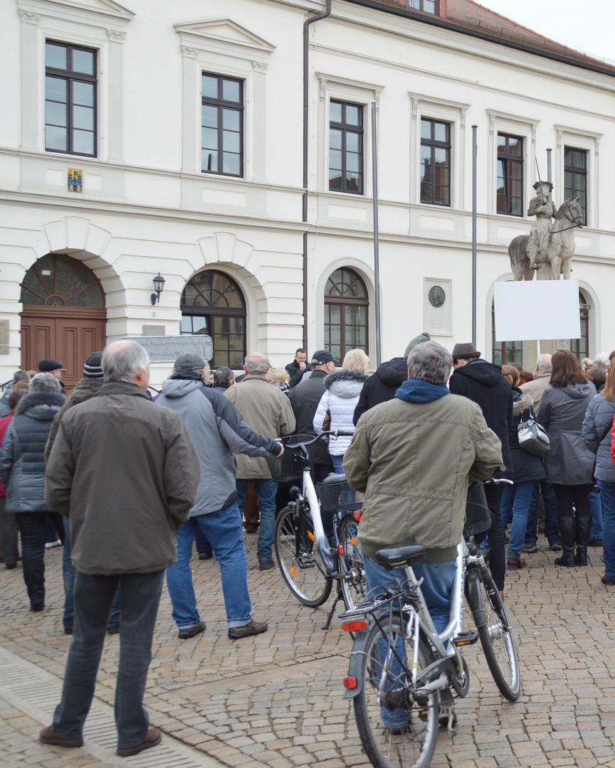 """Aufruhr in Ostdeutschland - """"Wir kommen von unten"""""""