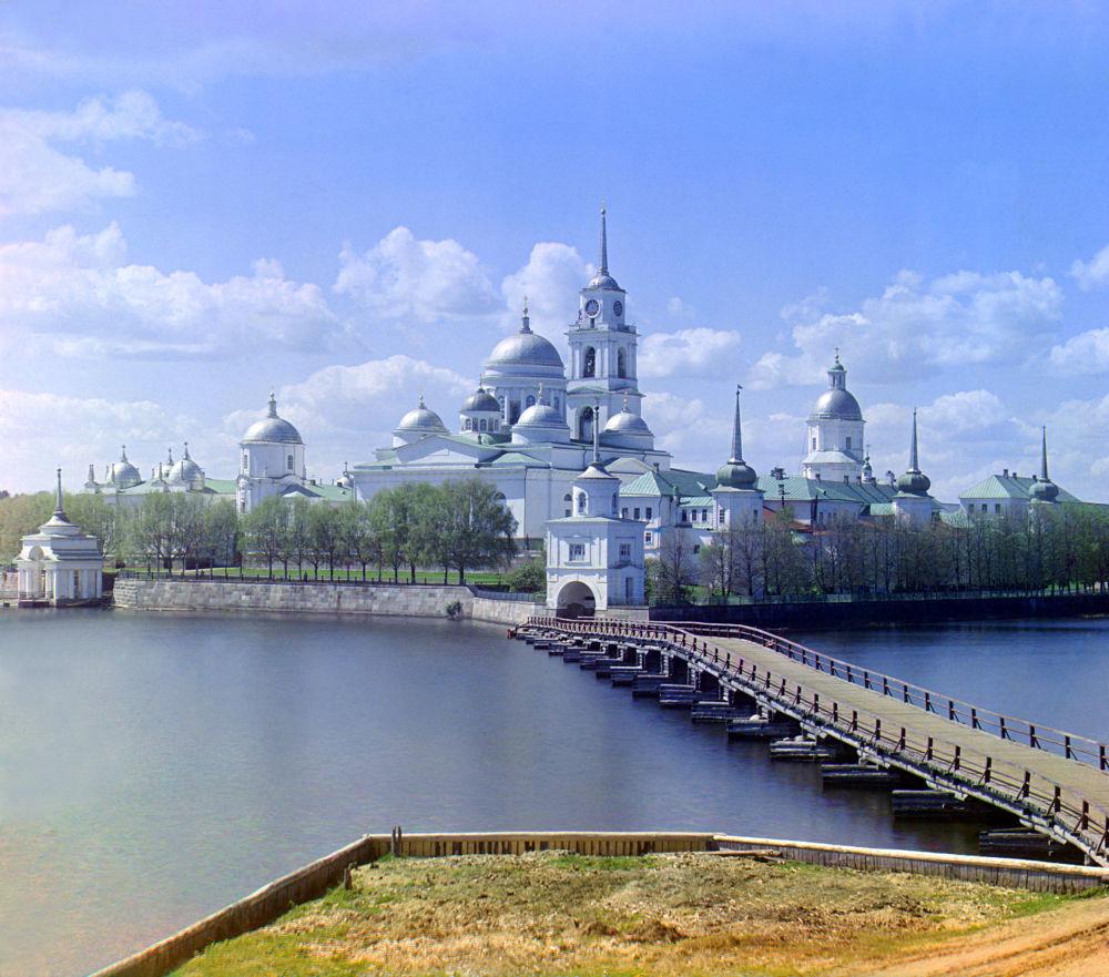 Das Nilow-Kloster am Seligersee im Gouvernement Twer.