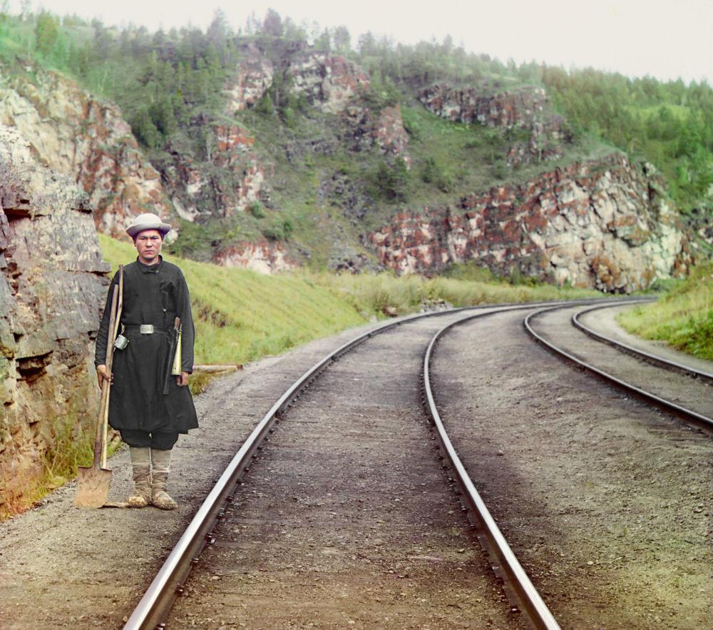 Ein baschkirischer Weichensteller bei der Transsibirischen Eisenbahn.