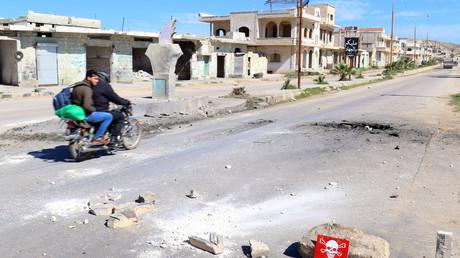 Dass die syrische Armee mit geächteten Waffen gegen die Dschihadisten in Idlib vorgehen würde, widerspricht aus Sicht der russischen Regierung jedweder Logik - zumal die letzten Wochen von einer  Verständigung zwischen Armee und den kampfstarken kurdischen YPG-Einheiten gekennzeichnet waren.